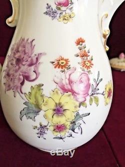Beautiful Vintage Hand Painted Meissen Porcelain Coffee / Tea Pot Gilded