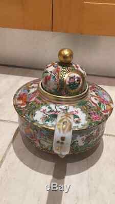 Chinese 19th century Mandarin teapot