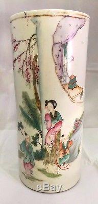 Chinese Antique Porcelain Hand Painted Famille Vase with Artist Sign Dated 1930