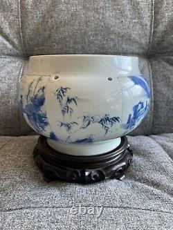 Fine Chinese Kangxi Period Blue and White'Zhu Lin Qi Xian' Pattern Pot