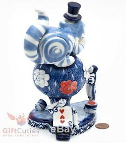 Gzhel Handpainted Porcelain Figurine Cheshire cat Rose bush Alice in Wonderland