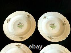 HEREND PORCELAIN HANDPAINTED DESSERT PLATE WITH ROSEHIP PATTERN (6pcs.) 1518