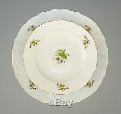 HEREND PORCELAIN HANDPAINTED DESSERT PLATEs + SERVING TRAY WITH ROSEHIP PATTERN
