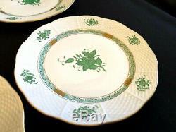 Herend Porcelain Handpainted Chinese Bouquet Green Small Dinner Plates 521/av