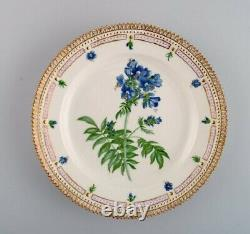 Royal Copenhagen Flora Danica plate in hand-painted porcelain with flowers